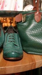 vintage-taschen-gruenes-leder-genarbt-800w